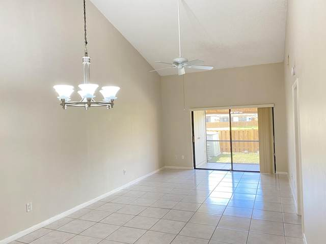 1060 Parkside Green Drive D, Greenacres, FL 33415 (MLS #RX-10695938) :: Berkshire Hathaway HomeServices EWM Realty