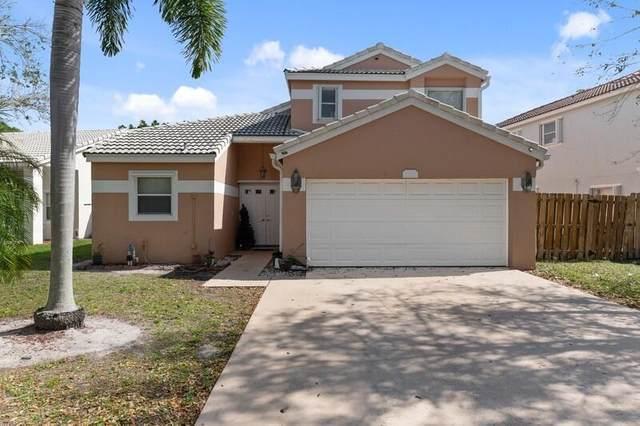 120 Wedgewood Lakes S, Greenacres, FL 33463 (MLS #RX-10696192) :: Castelli Real Estate Services
