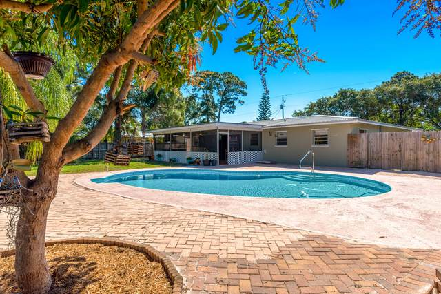 1605 SE 14th Street, Stuart, FL 34996 (MLS #RX-10696803) :: Castelli Real Estate Services