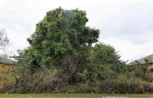 2072 SW Monterrey Lane, Port Saint Lucie, FL 34953 (MLS #RX-10696895) :: Castelli Real Estate Services
