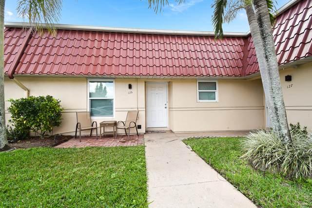 125 Amherst Lane, Lake Worth, FL 33467 (#RX-10697065) :: Ryan Jennings Group