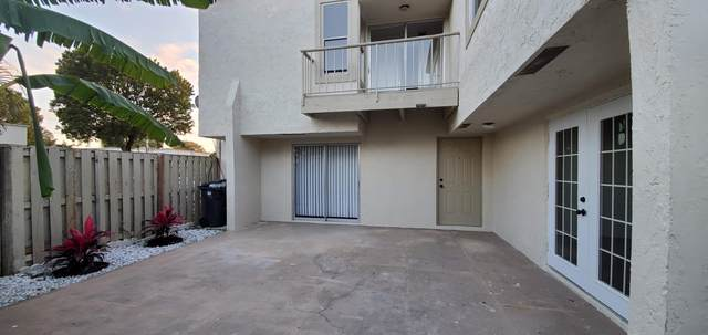 12053 Regal Court N E, Wellington, FL 33414 (#RX-10697251) :: Treasure Property Group