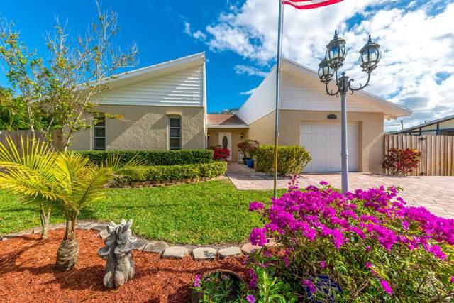 574 SE Brookside Terrace, Port Saint Lucie, FL 34953 (MLS #RX-10698565) :: The Paiz Group