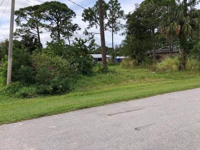 5305 Spruce Drive, Fort Pierce, FL 34945 (MLS #RX-10699628) :: The Paiz Group