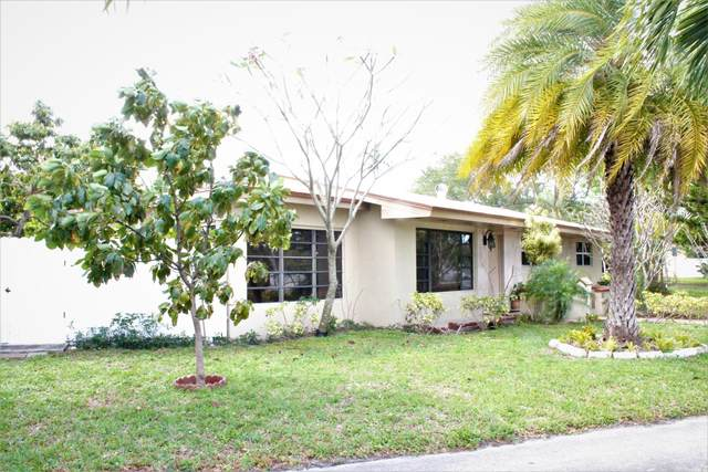 400 S 56th Avenue, Hollywood, FL 33023 (MLS #RX-10699730) :: The Jack Coden Group