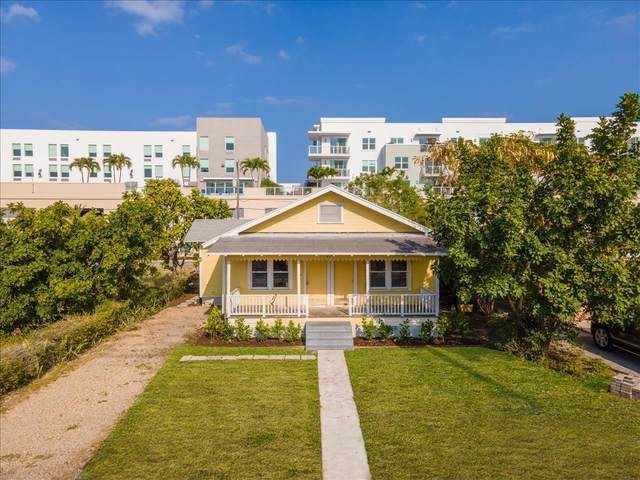 229 SE 4th Avenue, Delray Beach, FL 33483 (MLS #RX-10702761) :: The Jack Coden Group