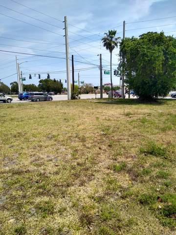 560 Jackson Avenue, Greenacres, FL 33463 (#RX-10702908) :: Posh Properties