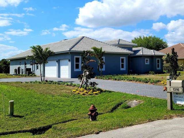 1316 SW Squire Johns Lane, Palm City, FL 34990 (MLS #RX-10702914) :: The Jack Coden Group