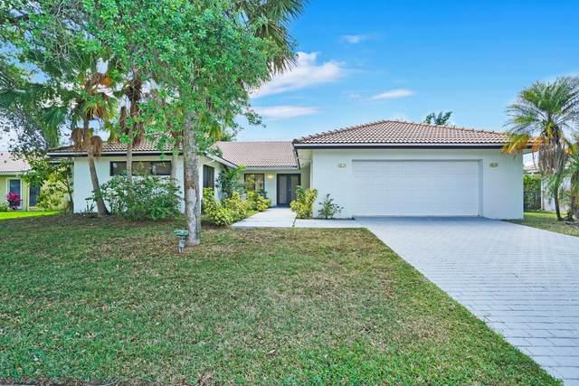 4512 White Cedar Lane, Delray Beach, FL 33445 (MLS #RX-10703235) :: The Paiz Group