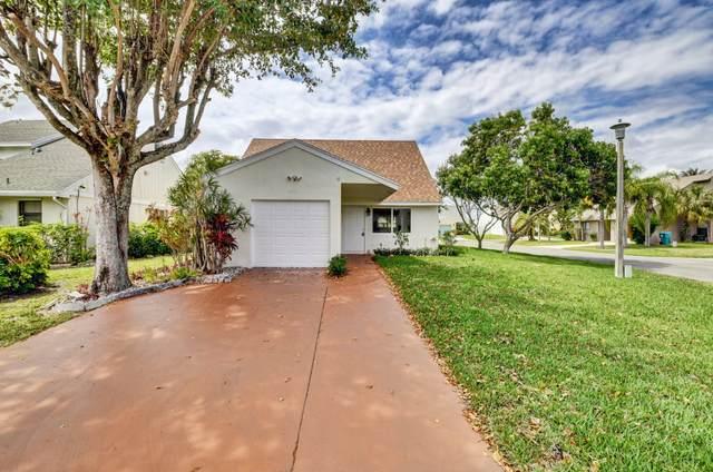 59 Peachtree Place, Boynton Beach, FL 33436 (MLS #RX-10704031) :: The Paiz Group