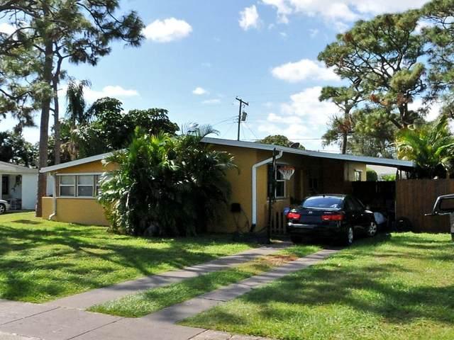 212 NE Entrada Avenue, Port Saint Lucie, FL 34952 (MLS #RX-10704611) :: The Jack Coden Group