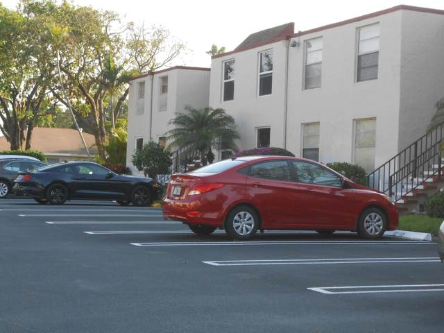 12 Willowbrook Lane #203, Delray Beach, FL 33446 (#RX-10704675) :: The Rizzuto Woodman Team