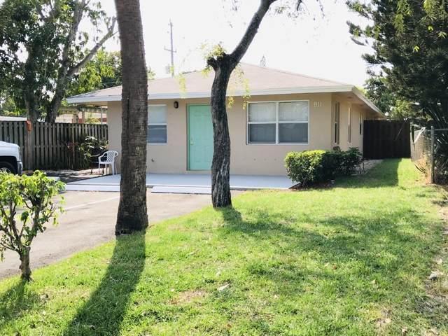 911 S Pine Street, Lake Worth Beach, FL 33460 (#RX-10705092) :: Posh Properties