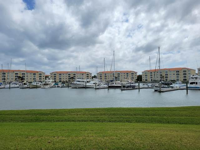 10 Harbour Isle Drive E #105, Fort Pierce, FL 34949 (#RX-10705112) :: The Power of 2   Century 21 Tenace Realty