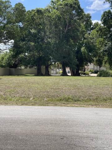 901 Elyse Circle, Port Saint Lucie, FL 34952 (#RX-10705212) :: The Rizzuto Woodman Team