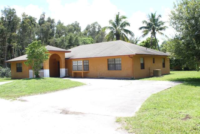 2701 Rhode Island Avenue, Fort Pierce, FL 34947 (MLS #RX-10705384) :: The Paiz Group