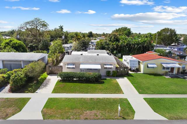 572 Sioux Road, Lake Worth, FL 33462 (MLS #RX-10705817) :: The Jack Coden Group