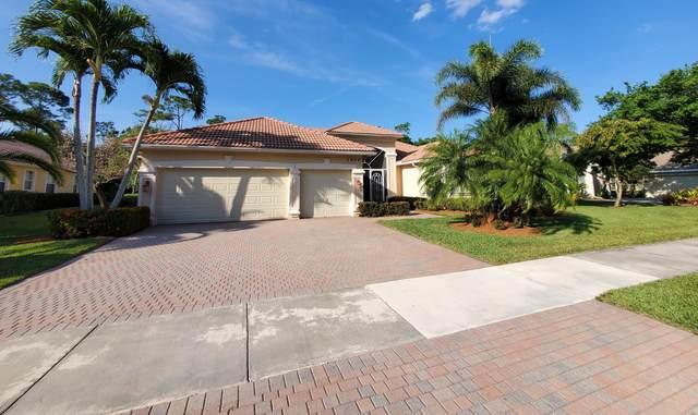 1077 SW Blue Stem Way, Stuart, FL 34997 (#RX-10706442) :: Baron Real Estate