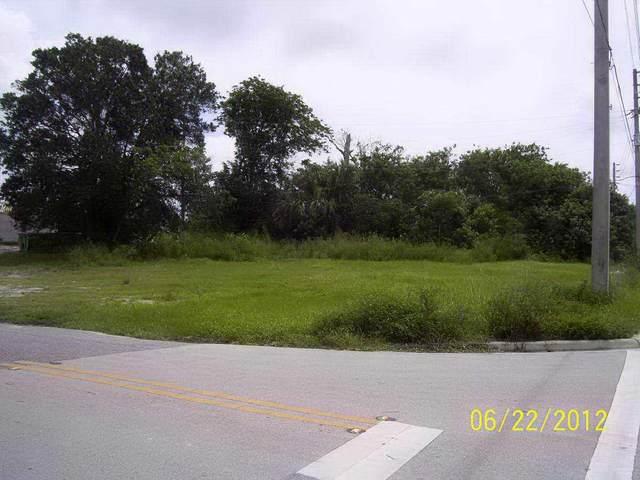 781 E Prima Vista Boulevard, Port Saint Lucie, FL 34952 (MLS #RX-10706660) :: The Jack Coden Group