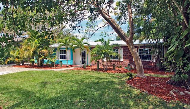 1899 NW Azalea Street, Stuart, FL 34994 (MLS #RX-10707061) :: The Paiz Group