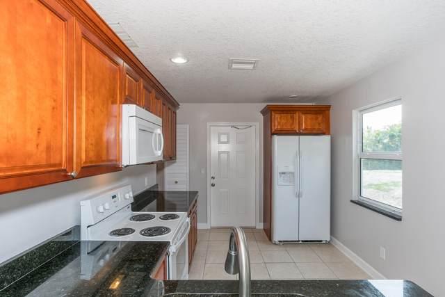 3438 SE Iris St Street, Stuart, FL 34997 (MLS #RX-10707350) :: Dalton Wade Real Estate Group