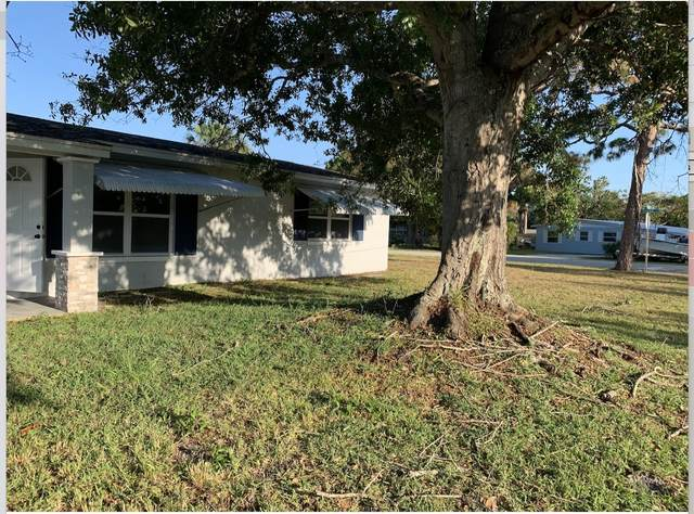 3177 NE Lake Avenue, Jensen Beach, FL 34957 (#RX-10707765) :: Real Treasure Coast