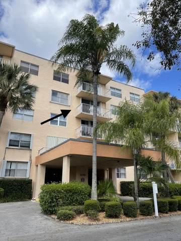 470 Executive Center Drive 4K, West Palm Beach, FL 33401 (#RX-10708815) :: Real Treasure Coast
