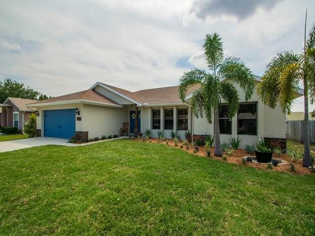 944 SE Odonnell Lane, Port Saint Lucie, FL 34983 (#RX-10709354) :: Michael Kaufman Real Estate