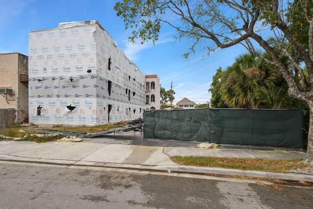 325 S Lakeside Court, West Palm Beach, FL 33407 (MLS #RX-10709517) :: Castelli Real Estate Services