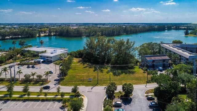 3861 Crystal Lake Drive, Deerfield Beach, FL 33064 (#RX-10709520) :: Posh Properties
