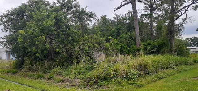 233 SW Airview Avenue, Port Saint Lucie, FL 34984 (MLS #RX-10709936) :: The Paiz Group