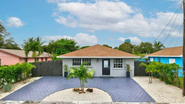 606 SE 2nd Avenue E, Delray Beach, FL 33483 (#RX-10710085) :: Ryan Jennings Group