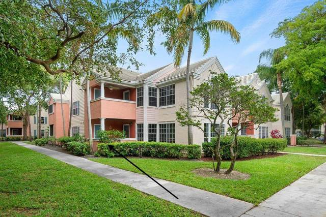 1055 Crystal Way A, Delray Beach, FL 33444 (#RX-10710101) :: Ryan Jennings Group