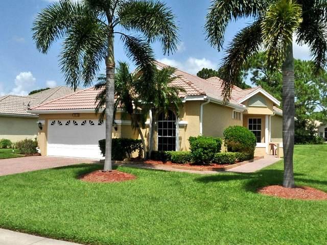 553 SW New Castle Cove, Port Saint Lucie, FL 34986 (MLS #RX-10710320) :: The Jack Coden Group