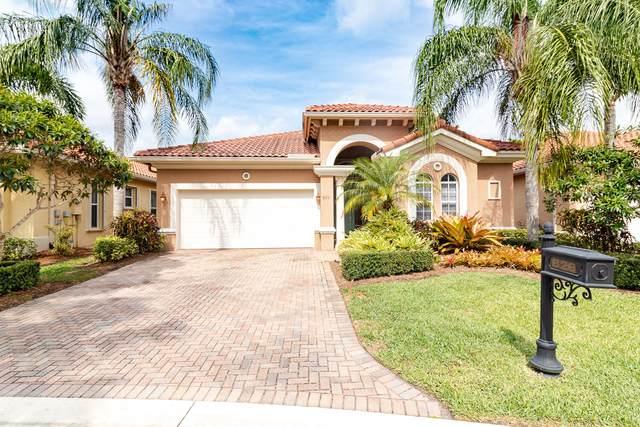 826 SW Palm Cove Drive, Palm City, FL 34990 (MLS #RX-10710351) :: Berkshire Hathaway HomeServices EWM Realty