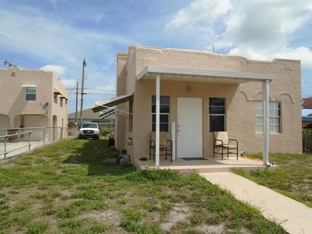 723 W Lakewood Road, West Palm Beach, FL 33405 (#RX-10712268) :: The Rizzuto Woodman Team
