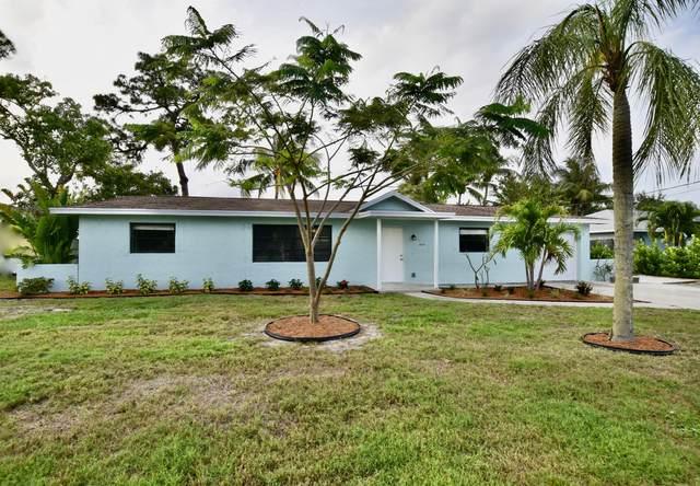 4879 SE Horseshoe Point Road, Stuart, FL 34997 (#RX-10712493) :: Michael Kaufman Real Estate