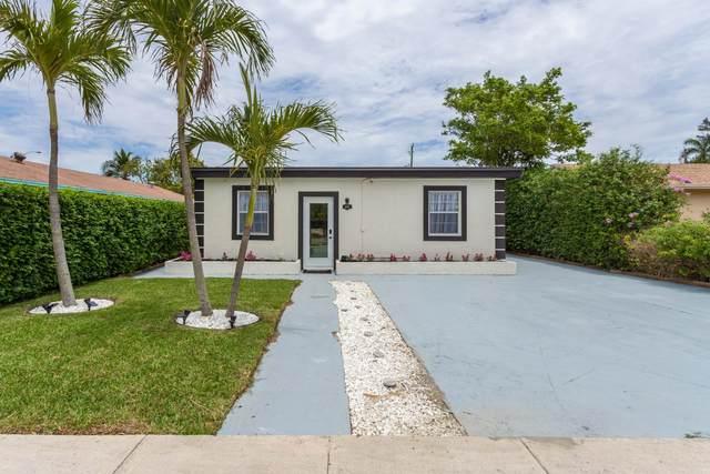 605 SE 2nd Avenue E, Delray Beach, FL 33483 (#RX-10712573) :: Michael Kaufman Real Estate