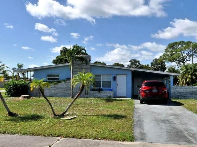 102 NE Entrada Avenue, Port Saint Lucie, FL 34952 (#RX-10712763) :: Posh Properties