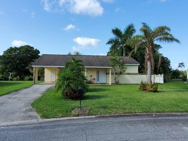 1974 SE Avanti Circle, Port Saint Lucie, FL 34952 (MLS #RX-10713488) :: The Jack Coden Group