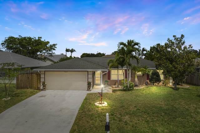 885 NE Vanda Terrado, Jensen Beach, FL 34957 (#RX-10713806) :: Real Treasure Coast