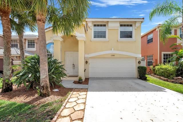 1308 Isleworth Court, Royal Palm Beach, FL 33411 (MLS #RX-10714042) :: The Paiz Group