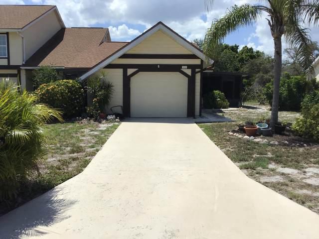 1415 SE Larkwood Circle, Port Saint Lucie, FL 34952 (#RX-10714240) :: Real Treasure Coast