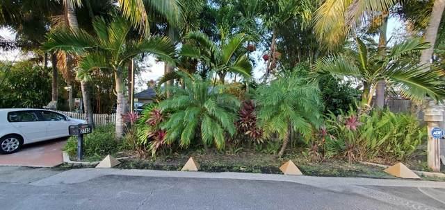 2745 Worcester Road, Lake Worth, FL 33462 (#RX-10714385) :: Baron Real Estate