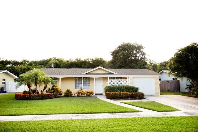 19156 SE Southgate Drive, Tequesta, FL 33469 (#RX-10714790) :: DO Homes Group