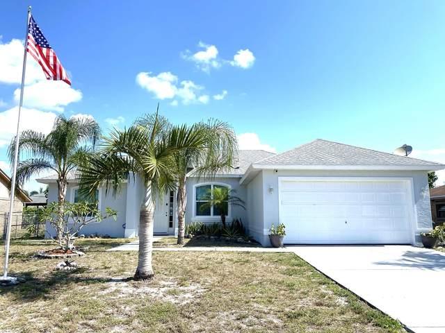 465 SE Oakridge Drive, Port Saint Lucie, FL 34984 (#RX-10715262) :: Heather Towe | Keller Williams Jupiter