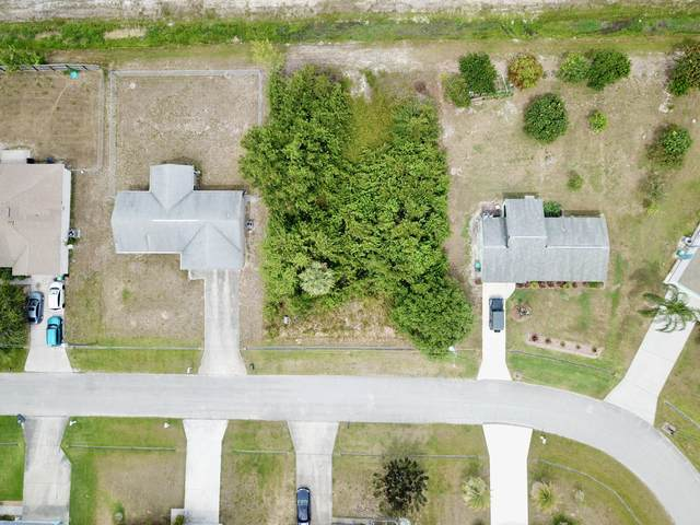 1689 SW Hampshire Lane, Port Saint Lucie, FL 34953 (#RX-10715275) :: Heather Towe | Keller Williams Jupiter