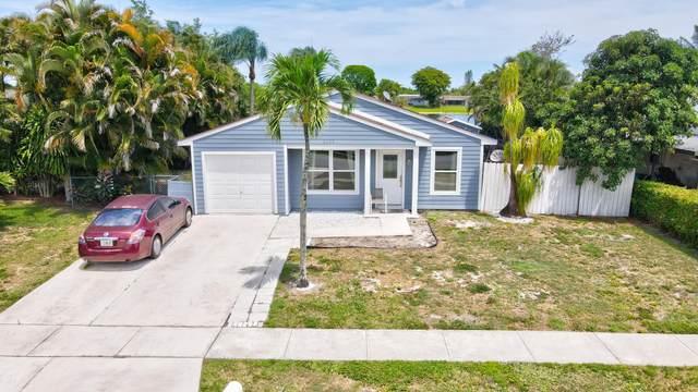 1102 Stardust Way, Royal Palm Beach, FL 33411 (MLS #RX-10715525) :: Castelli Real Estate Services