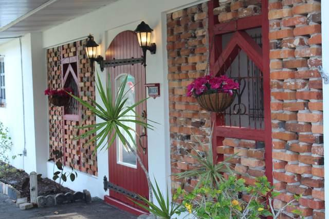 1902 S 8th S Street, Fort Pierce, FL 34950 (#RX-10715628) :: Treasure Property Group