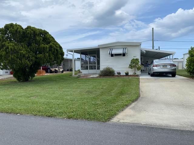 8187 SE Swan Avenue, Hobe Sound, FL 33455 (#RX-10715700) :: Treasure Property Group